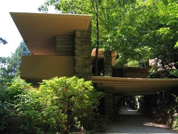 Vila nad vodopádem - exteriér
