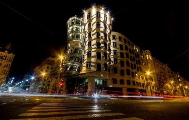 Frank Gehry - tančící dům